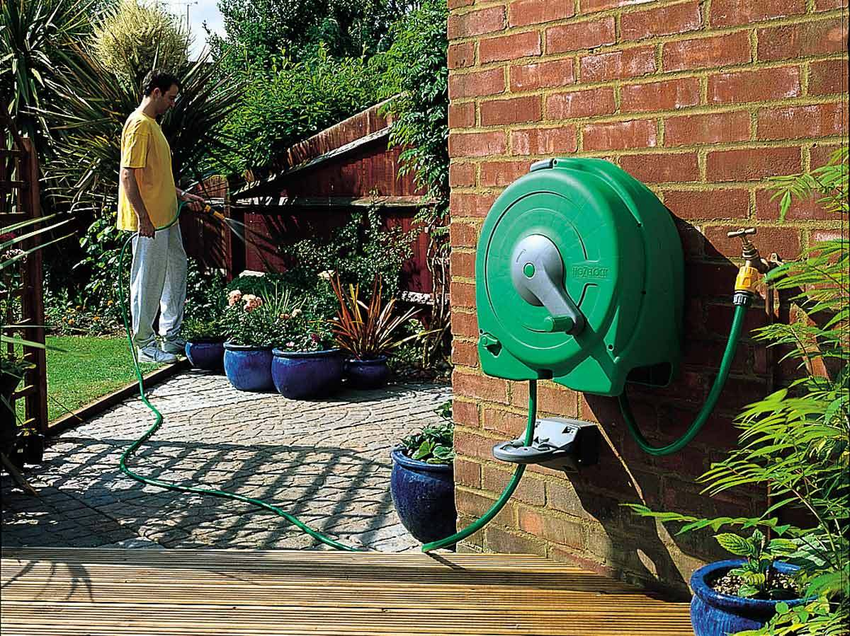 Hozelock fast reel 40m wall mounted 2496 for Gardening 4 less reviews