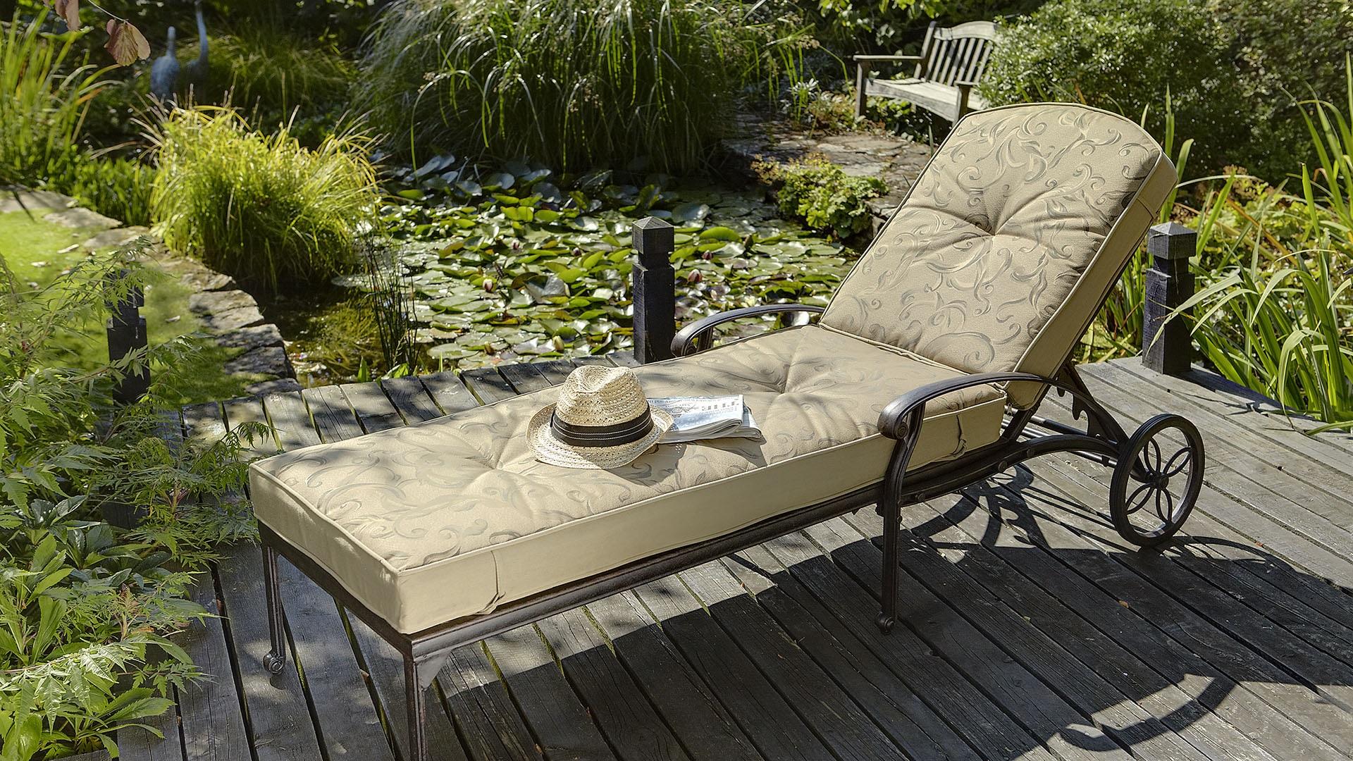 amalfi cast aluminium garden lounger uk 355 garden4less uk shop. Black Bedroom Furniture Sets. Home Design Ideas