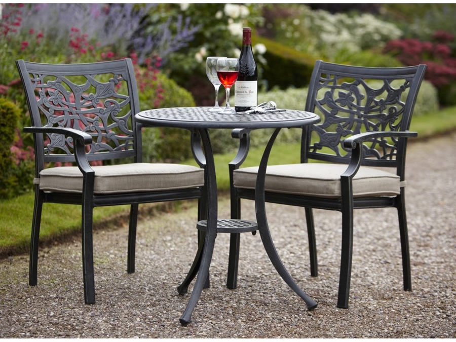 Image of Hartman Celtic Bistro Set in Riven with Wheatgrass Cushion