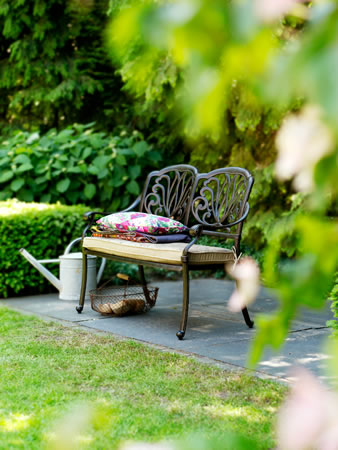 Amalfi cast aluminium garden bench with cushion uk 299 for Gardening 4 less reviews