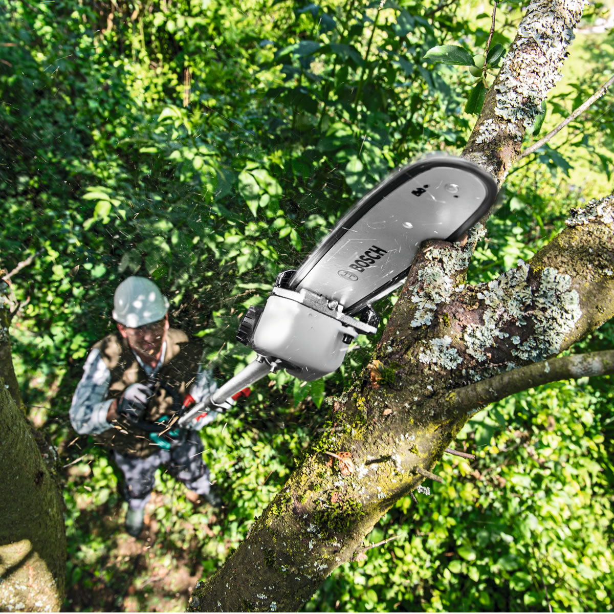 Extra image of Bosch AMW10 Multi Tool and Tree Pruner Attachment with Extension Pole