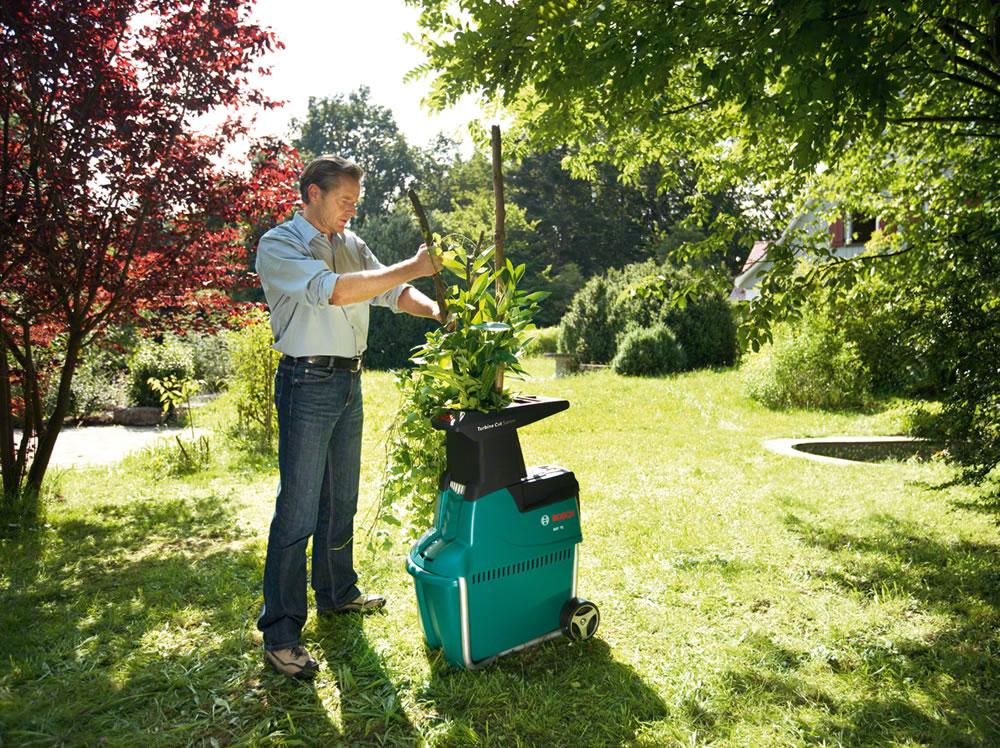 bosch 2500w quiet garden shredder free loppers axt 25tc 395 garden4less uk shop. Black Bedroom Furniture Sets. Home Design Ideas