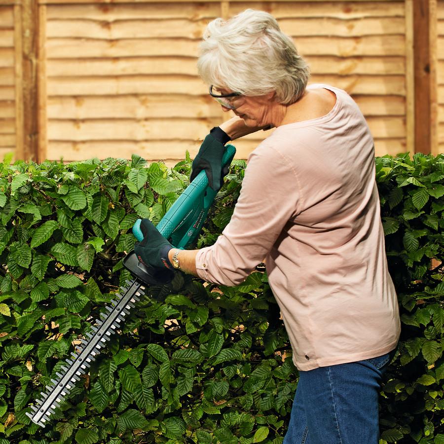 bosch cordless li ion hedge trimmer ahs 45 15li garden4less uk shop. Black Bedroom Furniture Sets. Home Design Ideas