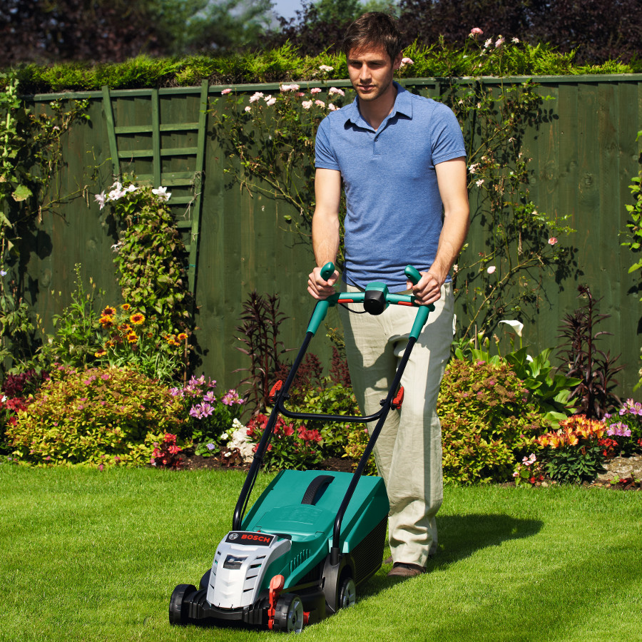 Bosch lawn mower rotak 32li ergoflex with free extra for Gardening 4 less reviews