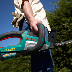 Extra image of Bosch Electric Advanced HedgeCut 36 with Free Wood Care Kit