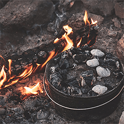 Small Image of Camp Chef 10inch Classic Dutch Oven
