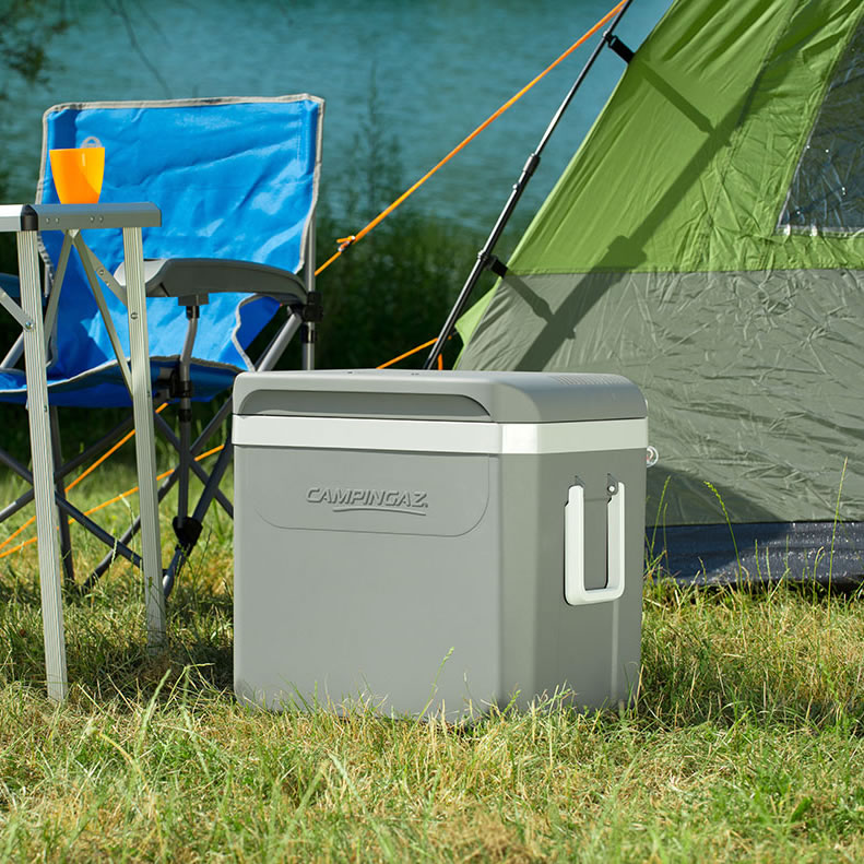 campingaz powerbox plus 36l 12v cool box with free mains. Black Bedroom Furniture Sets. Home Design Ideas