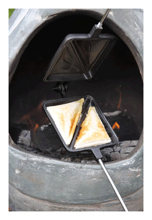 Image of Gardeco Cast Iron Toastie Iron