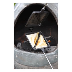 Small Image of Gardeco Cast Iron Toastie Iron