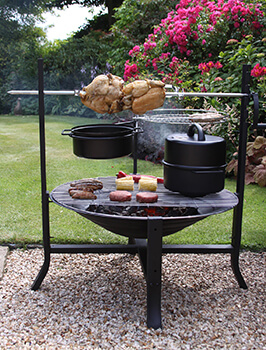 Image of Gardeco BUFFALO Large Rotisserie Firepit Set