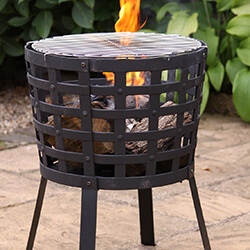 Extra image of Gardeco Aragon Cast Iron Fire Basket with Grill