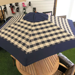Small Image of Blue Check Hardwood Garden Parasol with Crank - 2.75m
