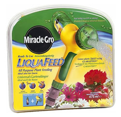 Image of Miracle Gro LiquaFeed Starter Kit