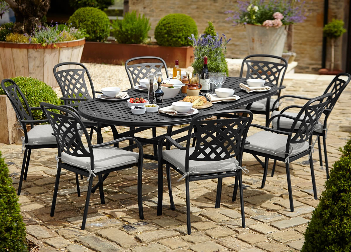 Berkeley cast aluminium oval 8 seater garden dining set for Garden furniture covers 8 seater