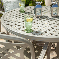 Extra image of Hartman Berkeley 4 Seat Round Dining Set in Maize / Wheatgrass