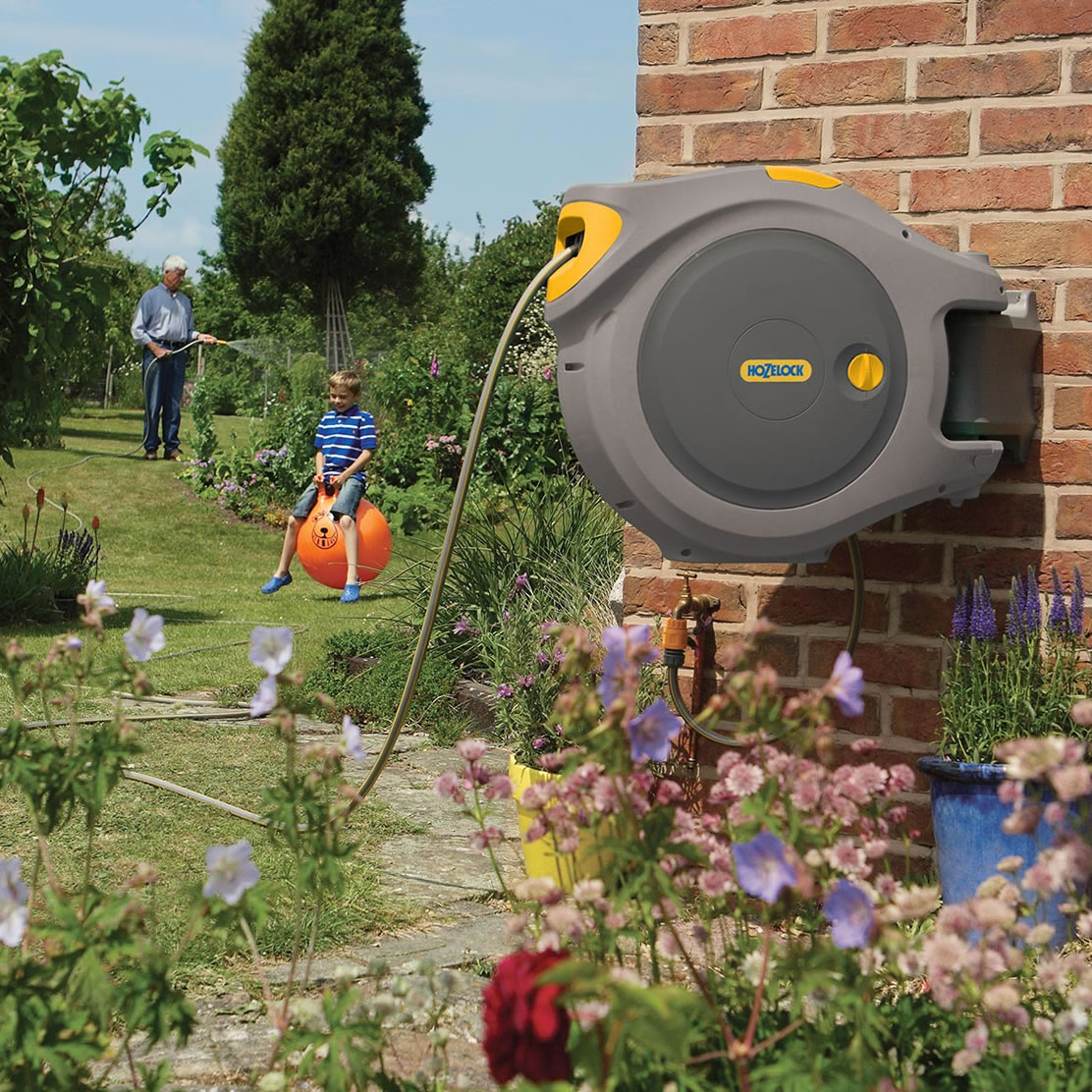 Hozelock auto reel 30m garden4less uk shop for Gardening 4 less reviews