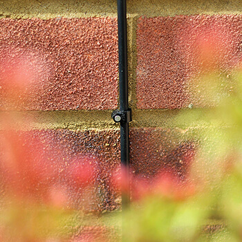 Image of Hozelock Micro Irrigation Wall Clip (4mm) - 2782