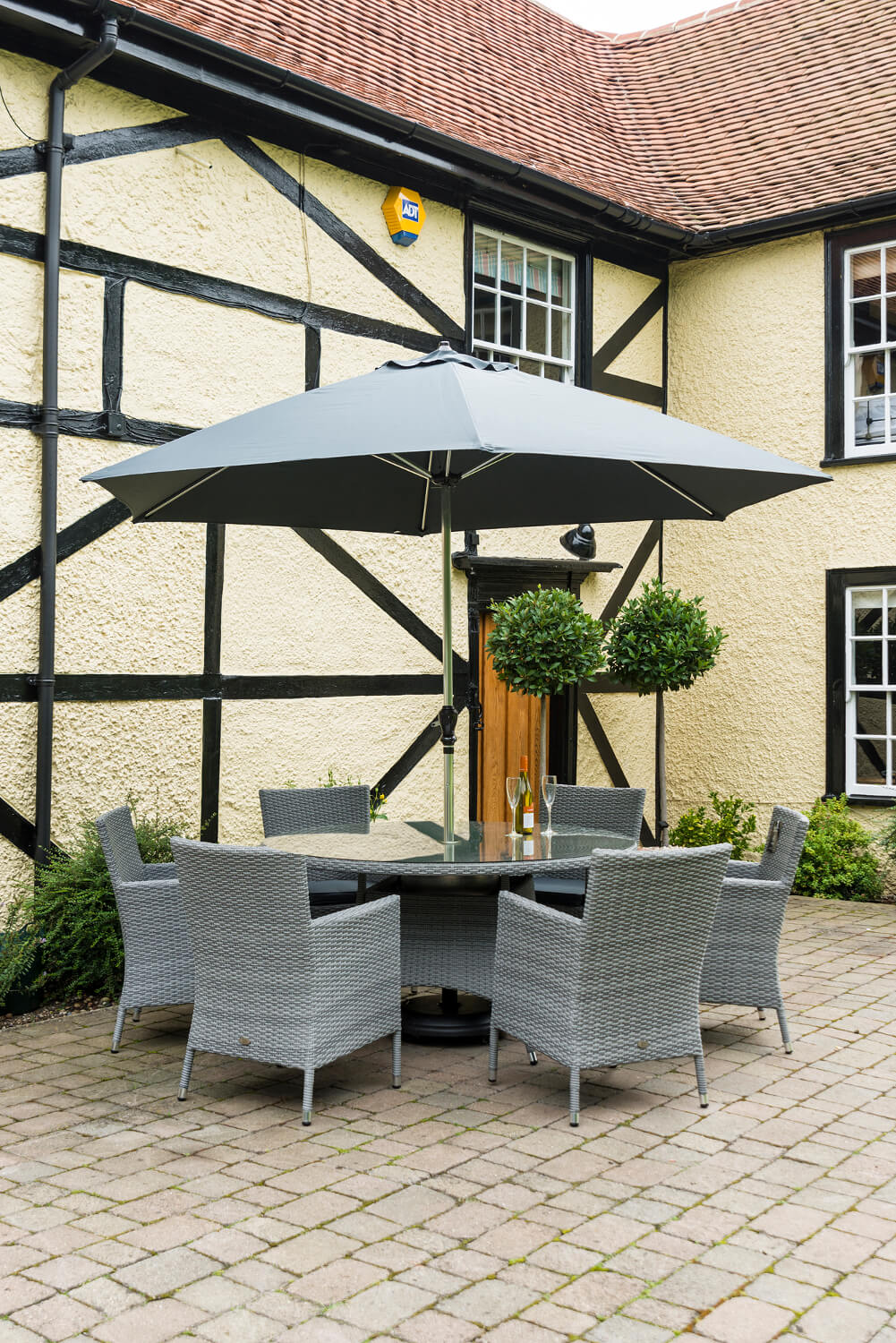 Chatsworth Sandringham 6 Seater Garden Dining Set 163 749