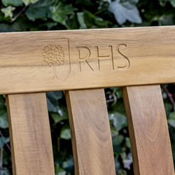 Extra image of Kettler RHS Chelsea 5ft (150cm) Bench with Seat Pad in Acacia