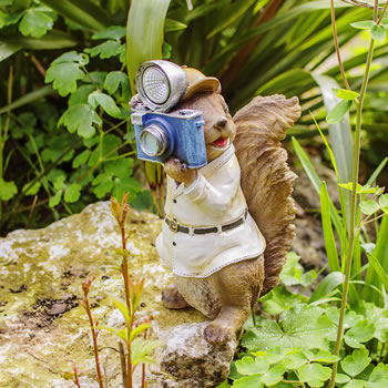Extra image of Felix the Paparazzi Squirrel Garden Ornament with Solar Powered Light
