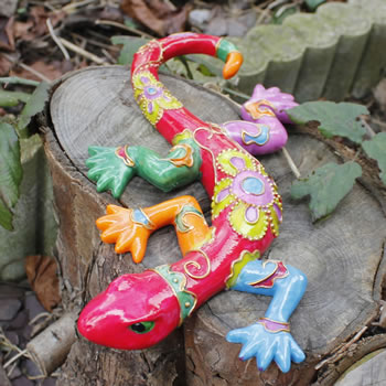 Extra image of Bright Coloured Lizard Ornament for the Garden in Pink