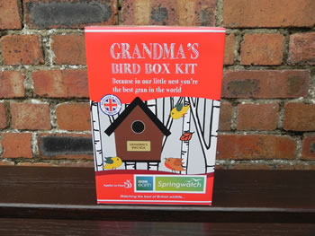 Image of Apples to Pears Springwatch Grandma's Bird Box Kit Gift
