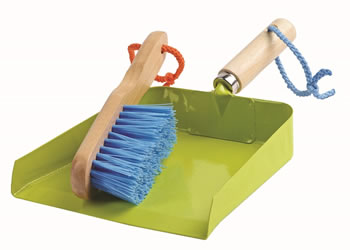 Image of Briers Kids Dust Pan and Brush Gift Set