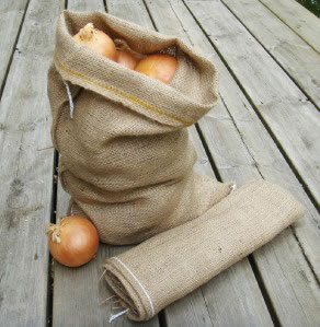 Image of Small Hessian Sack 20 x 30cm Garlic Shallots Onion Storage Bag 8.9oz grade