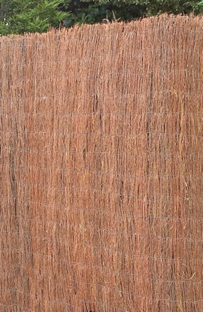 Image of 1m x 3m brushwood screening fence - for gardens, balconies, screen