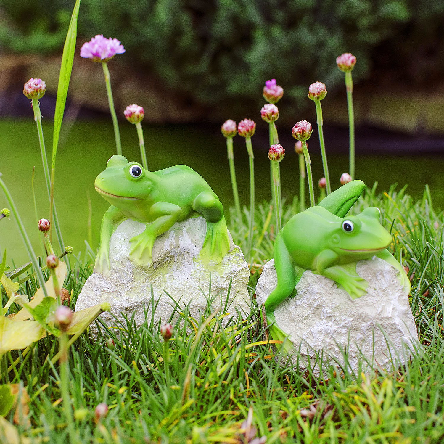 Leafy leroy the pair of frogs on rocks garden ornament set garden4less uk shop Pond ornaments
