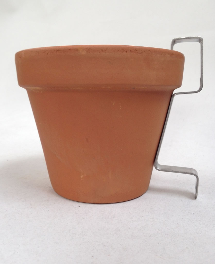 Hanging Terracotta Pots: 2 X Nutley's Terracotta Plant Pots With Hanging Wall