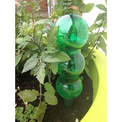 Small Image of Aqua Balance Watering Spike with 1.25l Bottle Watering System