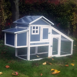 Small Image of Hybrid Chicken Coop and Run
