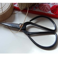 Small Image of Traditional Nutscene Twine String Scissors Pocket Size