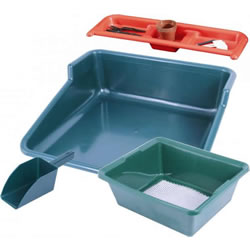Small Image of Garland Potting Station with Tidy Tray, Shelf, Sieve & Compost Scoop
