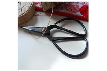 Image of Traditional Nutscene Twine String Scissors Pocket Size