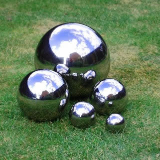 Image of Set Of Five Mirror Finish Stainless Steel Sphere Garden Ornaments 6.5, 9, 13, 18 & 27cm