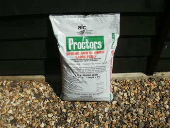 Image of 20kg sack of Proctors Spring and Summer Lawn Feed