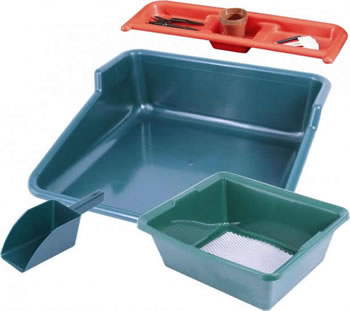 Image of Garland Potting Station with Tidy Tray, Shelf, Sieve & Compost Scoop