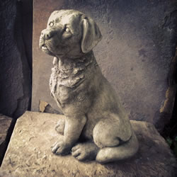 Small Image of Sitting Labrador Stone Ornament