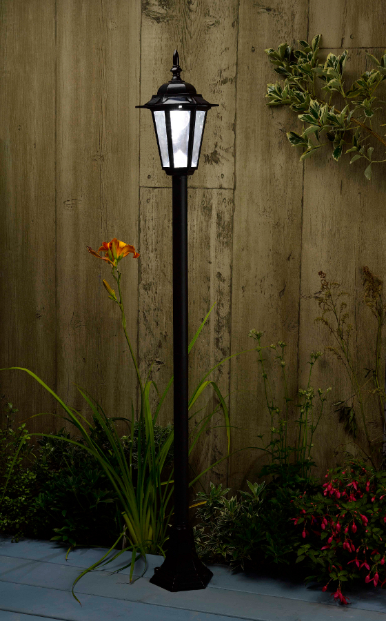 solar powered kingston lamp post light garden4less uk shop. Black Bedroom Furniture Sets. Home Design Ideas