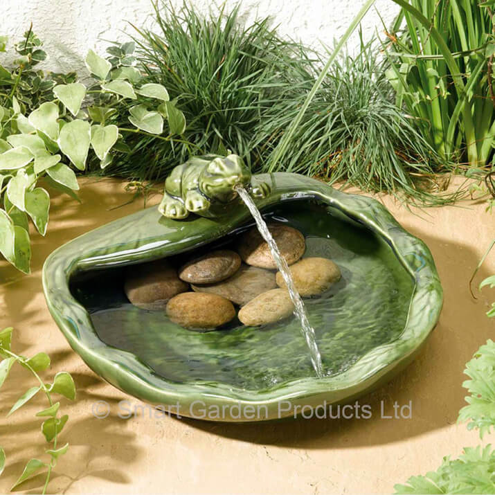 Solar Powered Water Feature Ceramic Frog 163 49 99